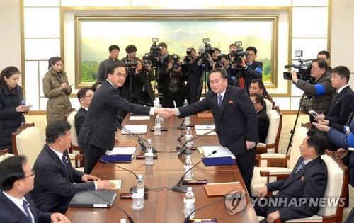 남북, 주말에도 연락채널 가동…`평창회담` 北답변은 아직